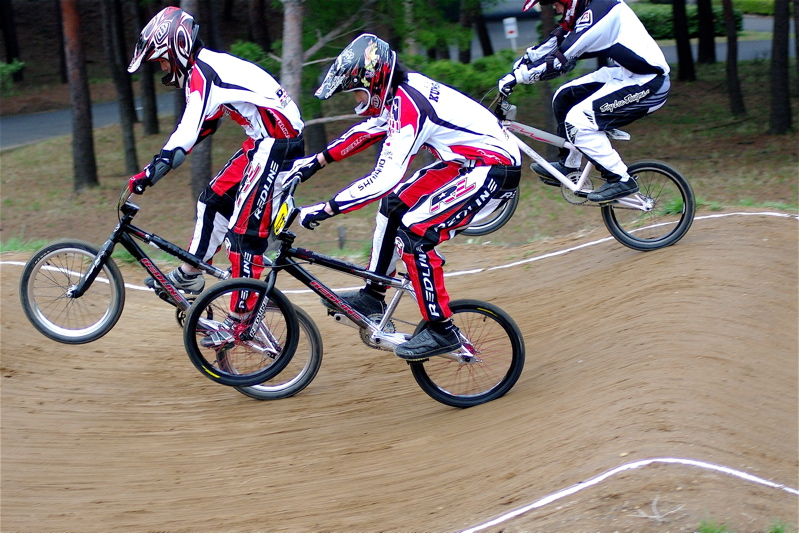 2008JBMXF全日本BMX選手権大会INひたちVOL13ボーイズ13&14、15&16クラス決勝_b0065730_13854100.jpg