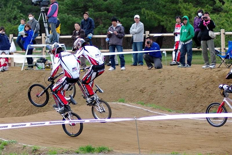 2008JBMXF全日本BMX選手権大会INひたちVOL13ボーイズ13&14、15&16クラス決勝_b0065730_1392272.jpg
