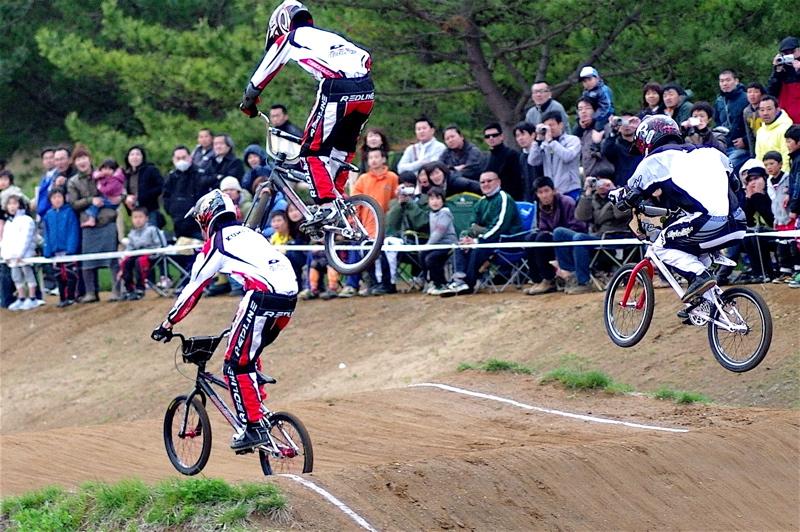 2008JBMXF全日本BMX選手権大会INひたちVOL13ボーイズ13&14、15&16クラス決勝_b0065730_1394926.jpg