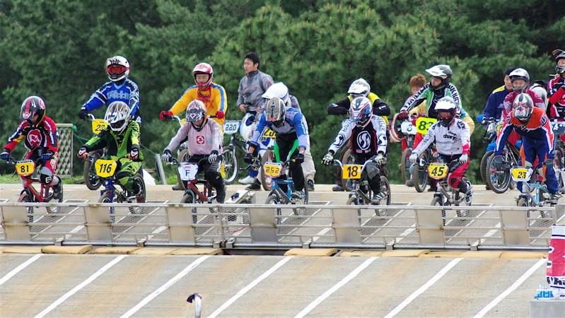 2008JBMXF全日本BMX選手権大会INひたちVOL14MEN17~29、30オーバークラス決勝_b0065730_19293569.jpg