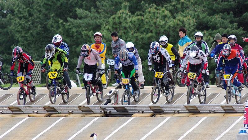 2008JBMXF全日本BMX選手権大会INひたちVOL14MEN17~29、30オーバークラス決勝_b0065730_19294952.jpg