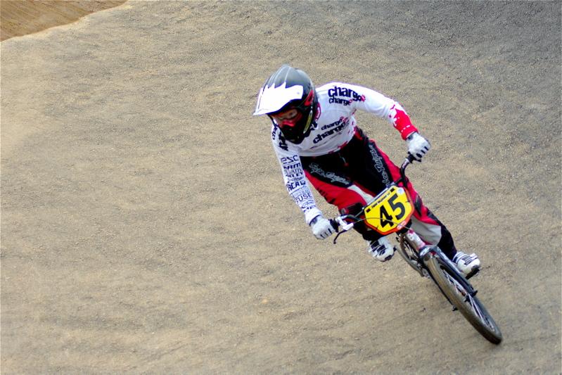 2008JBMXF全日本BMX選手権大会INひたちVOL14MEN17~29、30オーバークラス決勝_b0065730_19345951.jpg
