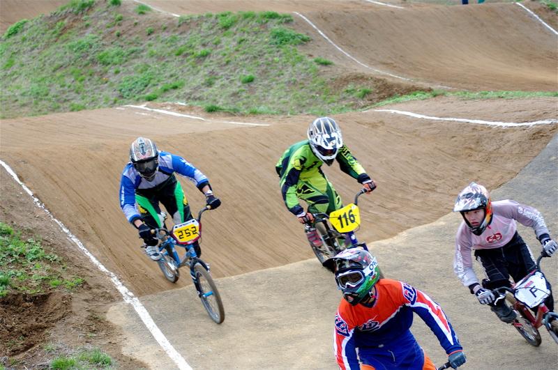 2008JBMXF全日本BMX選手権大会INひたちVOL14MEN17~29、30オーバークラス決勝_b0065730_19352641.jpg