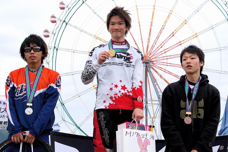 2008JBMXF全日本BMX選手権大会INひたちVOL14MEN17~29、30オーバークラス決勝_b0065730_1935402.jpg