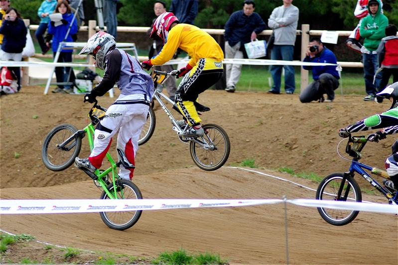 2008JBMXF全日本BMX選手権大会INひたちVOL14MEN17~29、30オーバークラス決勝_b0065730_1945435.jpg