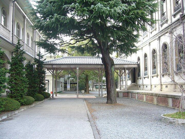 龍谷大学大宮学舎渡り廊下_c0112559_1441090.jpg