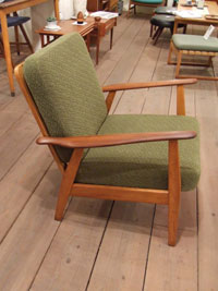 Easy chair (Denmark)_c0139773_1956872.jpg