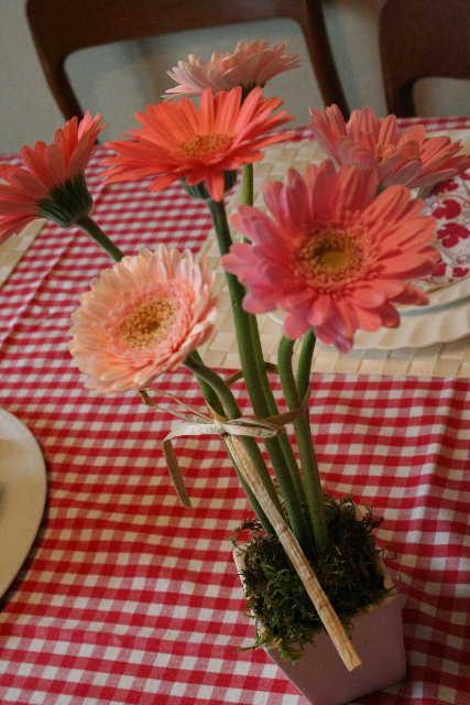 教室・・・苺のショートケーキ&トピアリーツリーアレンジ_f0141419_6202451.jpg