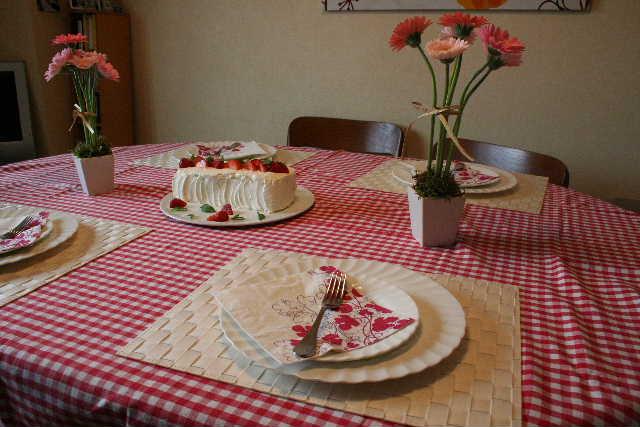 教室・・・苺のショートケーキ&トピアリーツリーアレンジ_f0141419_6441195.jpg