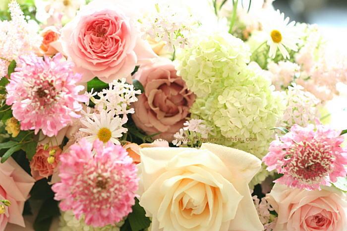 バレリーナ  アーリーズテラス様の装花_a0042928_21101133.jpg