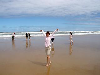 エコ・ツアー(後編) 砂にもぐる貝、発見!_c0053520_22495676.jpg