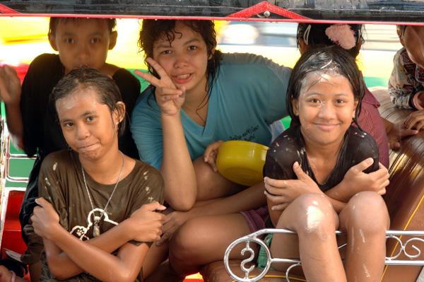 タイの水掛祭り ソンクラーン'08 (4)_b0131470_20425966.jpg
