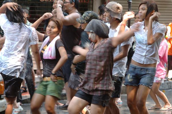 タイの水掛祭り ソンクラーン'08 (4)_b0131470_2044973.jpg