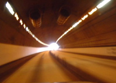 トンネルの魂_c0052304_193595.jpg