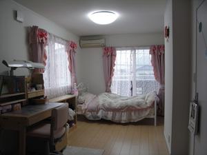 太陽虹のかんむりとスウィートな子供室_f0129627_1844576.jpg