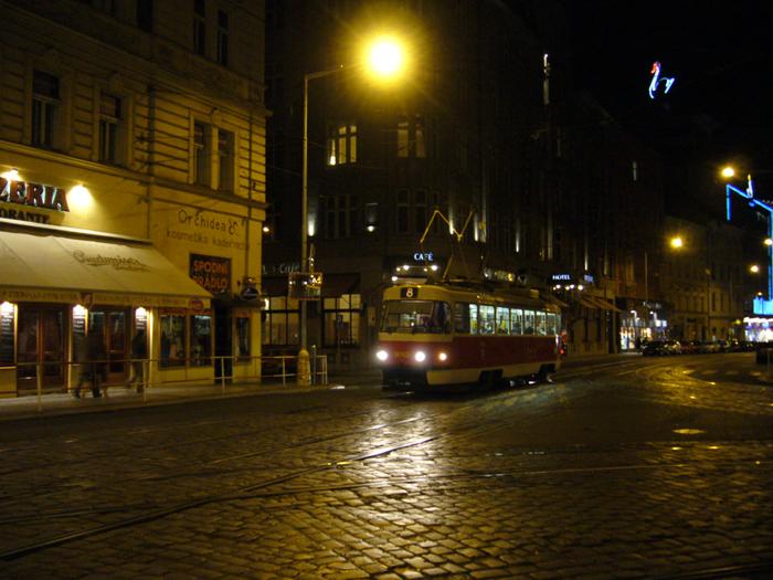 チェコ到着_d0139475_12375861.jpg