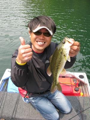 今日も七色ダムでプラです。今日は上田さんが話し相手です。_a0097491_2114333.jpg