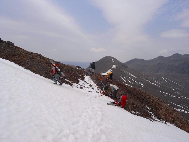 4月29日、風不死岳と樽前山_f0138096_19211931.jpg