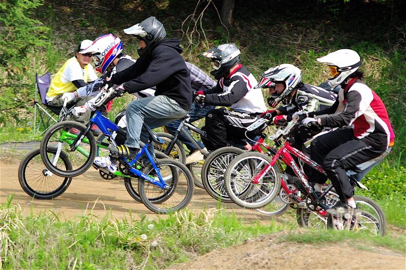 2008緑山4月定期戦VOL12BMX30オーバー、マスターズクラス決勝_b0065730_19313058.jpg