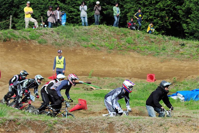 2008緑山4月定期戦VOL12BMX30オーバー、マスターズクラス決勝_b0065730_1931586.jpg