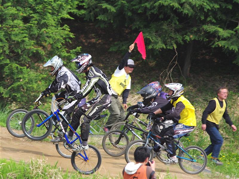 2008緑山4月定期戦VOL12BMX30オーバー、マスターズクラス決勝_b0065730_19385387.jpg