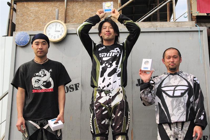 2008緑山4月定期戦VOL12BMX30オーバー、マスターズクラス決勝_b0065730_1943183.jpg