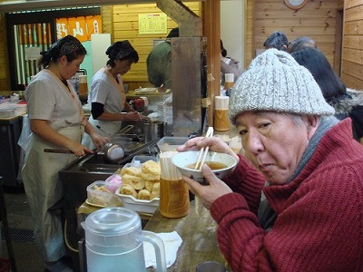 パブと立ち食い蕎麦屋は似ている_f0164058_1533137.jpg