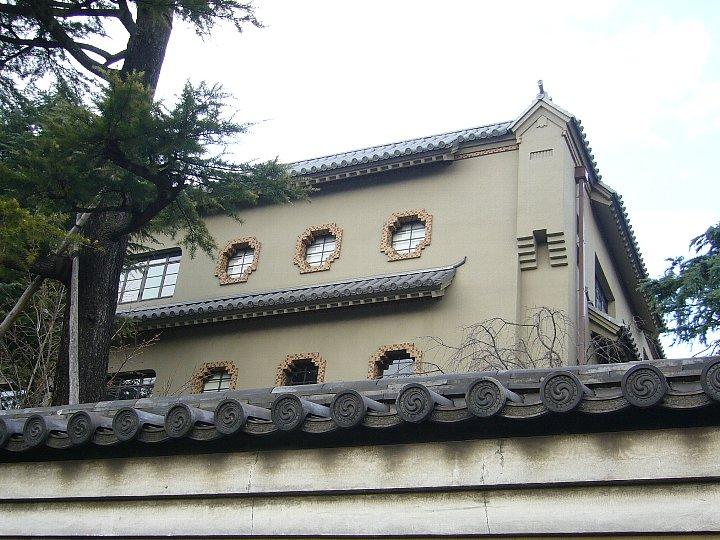 龍谷大学大宮図書館_c0112559_13534833.jpg