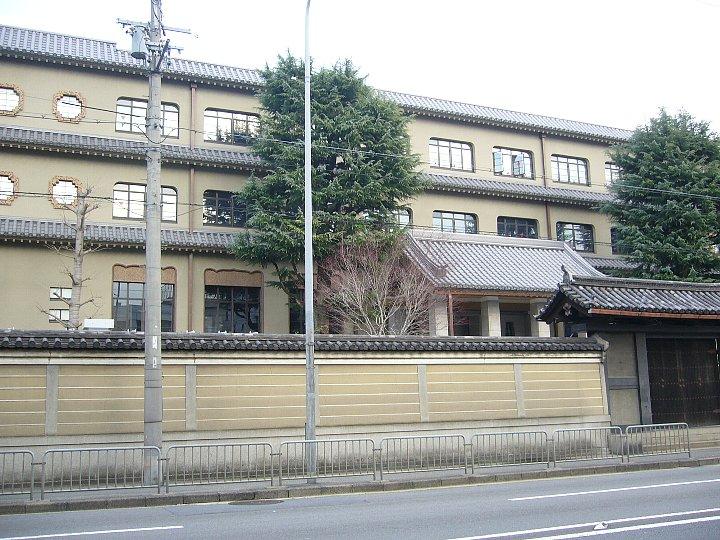 龍谷大学大宮図書館_c0112559_13535759.jpg