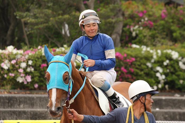 2008年4月26日(土) 高知競馬 6R その1_a0077663_18415777.jpg