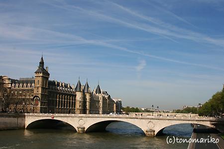 パリときどき変な天気ばっかり_c0024345_1114810.jpg