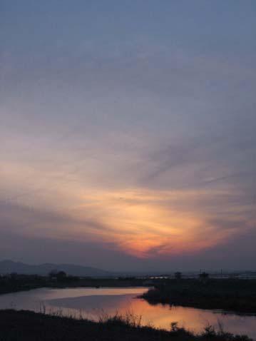 春の夕暮れ_c0107829_1085418.jpg