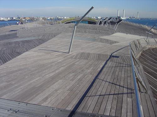 横浜港大さん橋国際客船ターミナル _f0165030_15583248.jpg