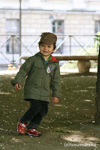 大好きなおじいちゃんとお散歩_c0024345_17283097.jpg