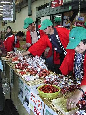 「トマト」生産者対面販売_c0141652_1034662.jpg