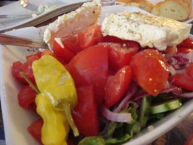 さぁ、ギリシャ料理をアストリアで!_d0100880_1785819.jpg