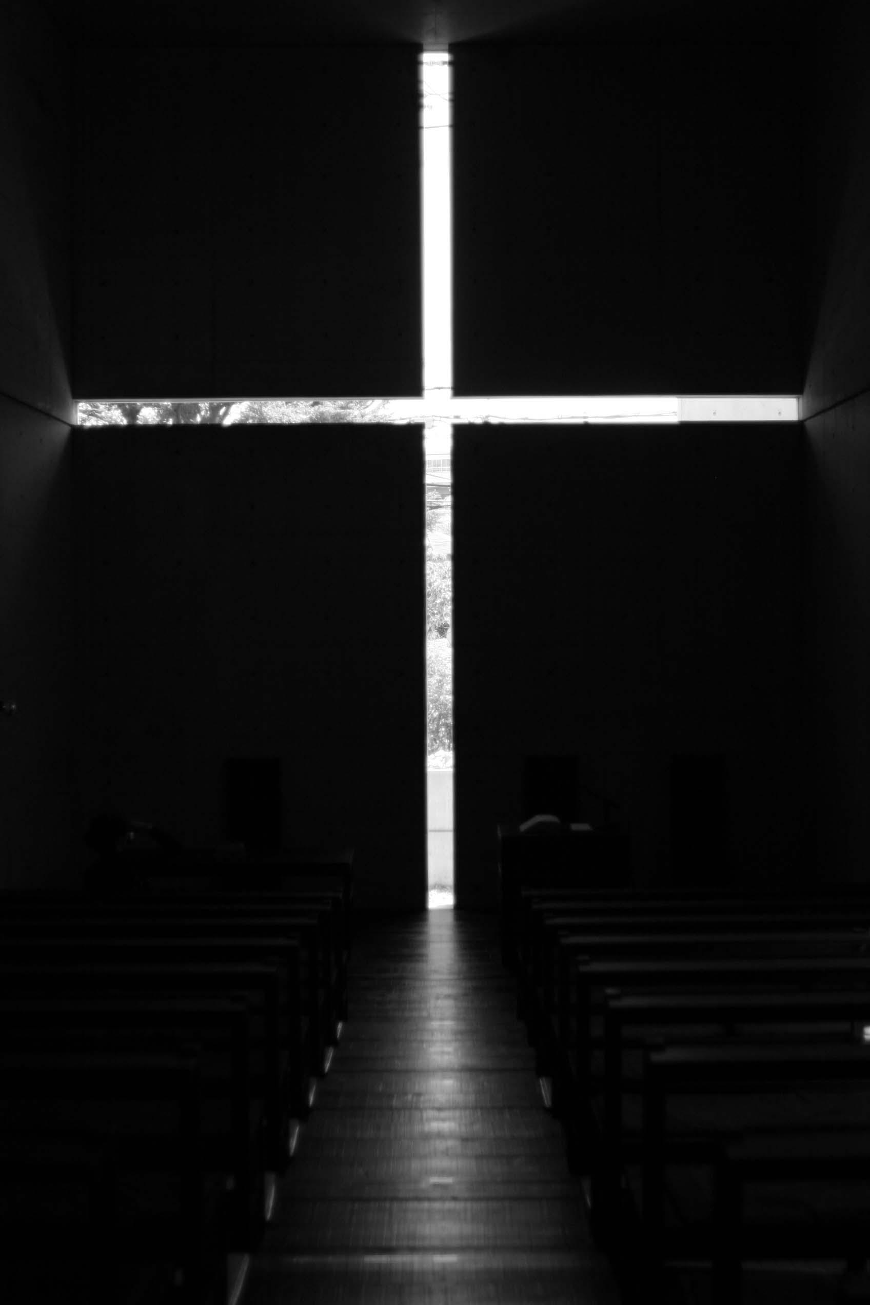 "茨木春日丘教会 ""光の教会""_e0077121_0263380.jpg"