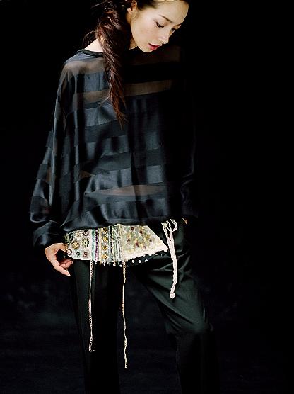 りょうの黒系衣装