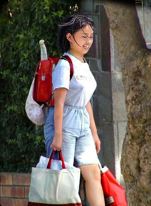 【画像】女子小学生の生意気なおっぱい [転載禁止]©2ch.net [342992884]->画像>15枚