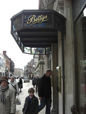 Bettys cafe Tea Room_c0079828_141511.jpg
