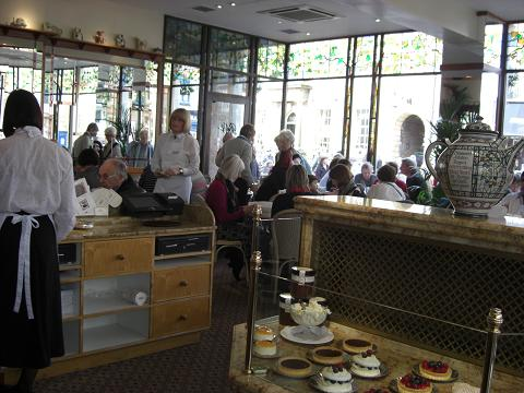 Bettys cafe Tea Room_c0079828_1442645.jpg