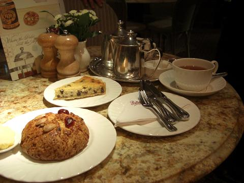 Bettys cafe Tea Room_c0079828_210159.jpg