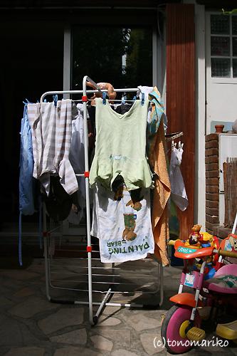 パリでは出来ない外で洗濯干し_c0024345_7541129.jpg