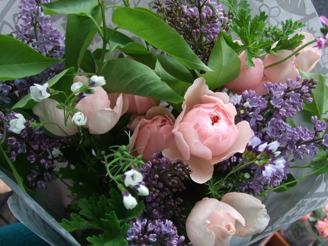 オークリーフ(アルンウィックキャッスルとライラックの花束)_f0049672_1781386.jpg