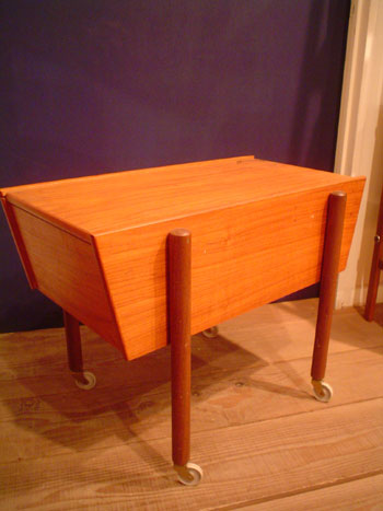 Sewing table (Denmark)_c0139773_20331260.jpg
