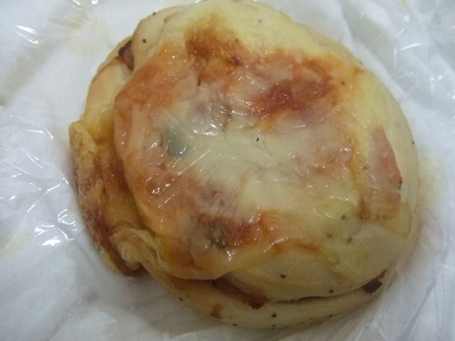 イーストリート サルサハムチーズ、モッツァレラチーズ_f0076001_22313140.jpg