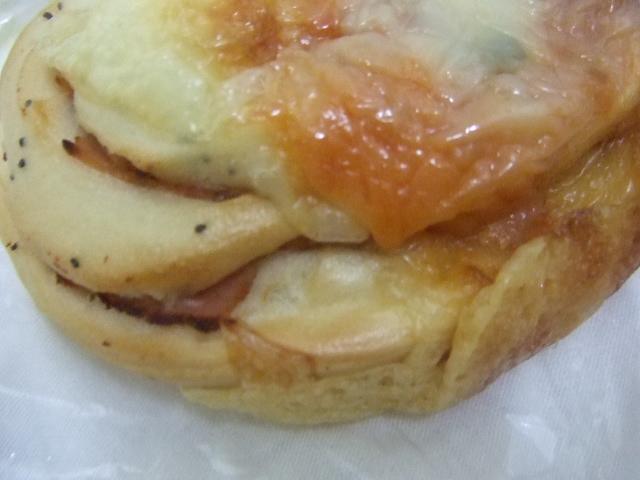 イーストリート サルサハムチーズ、モッツァレラチーズ_f0076001_22314758.jpg
