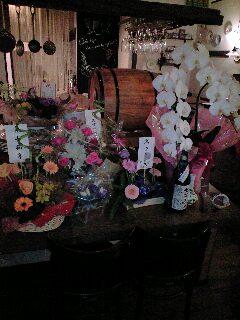 お祝いのお花を頂きました。_e0092612_2273227.jpg