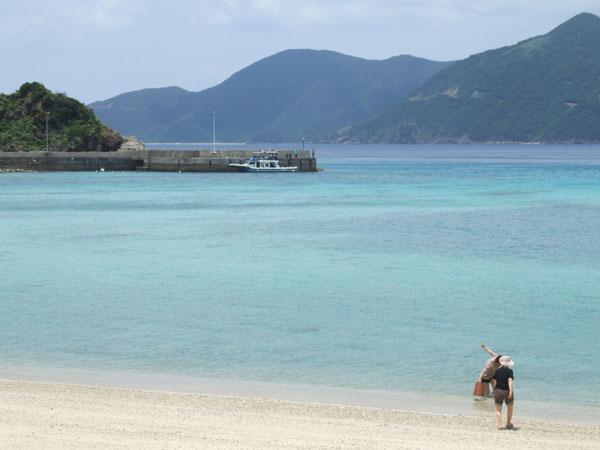 ご主人が愛した加計呂麻島の海_e0028387_23254233.jpg