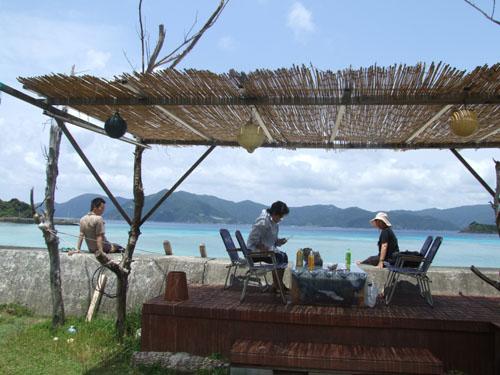 ご主人が愛した加計呂麻島の海_e0028387_2329306.jpg
